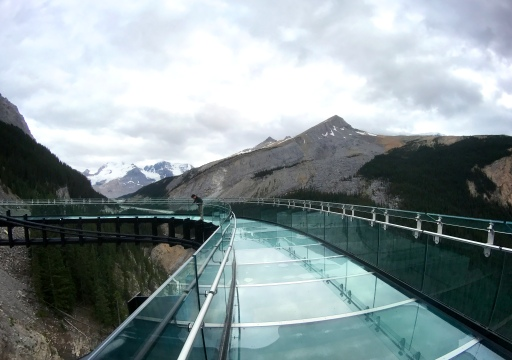 athabasca glacier skywalk